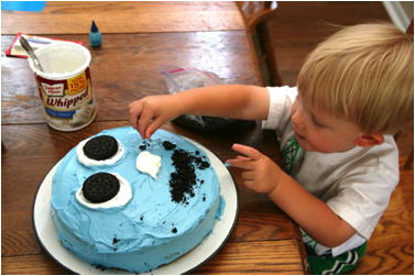 Description: https://www.wolverton-mountain.com/articles/images/owens-surprise-birthday-cake-for-jack/5.png